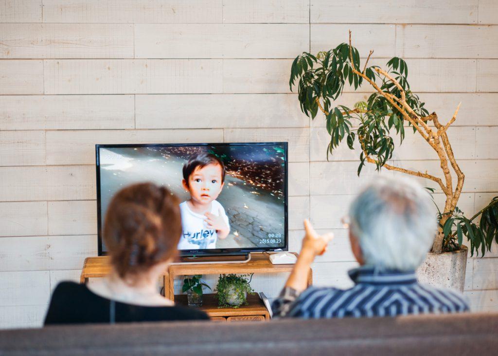 スマホでは不可能な臨場感が世代間の絆を深める「まごチャンネル」